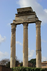 Säulen des Castor und Pollux-Tempel im Forum Romanum in Italien