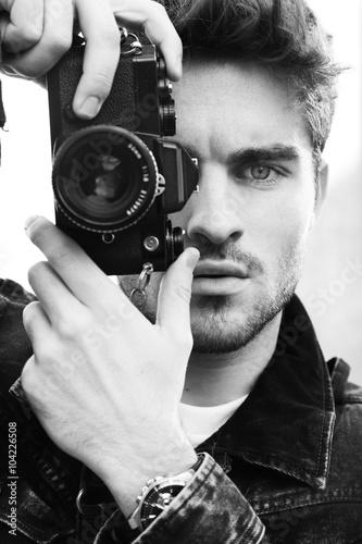 Very sexy man on camera — img 1