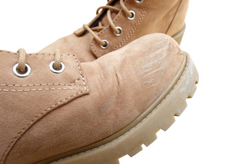 the abrasion at toe box of one flannel boots with another one