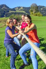 Frauenteam zeigt Stärke