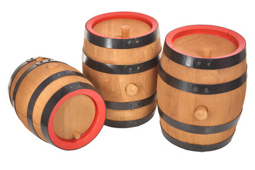 drei alte Bierfässer