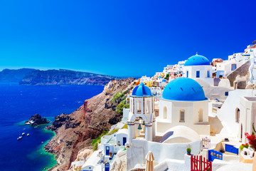 Oia town on Santorini island, Greece. Caldera on Aegean sea. Fototapete