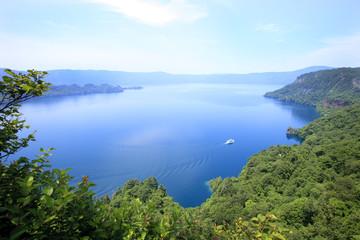 青森県十和田湖 日本を代表する湖です。