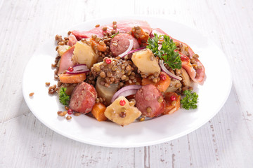 lentils with carrot and meats