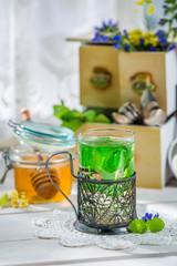 Aromatic mint tea with honey
