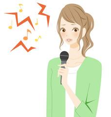 カラオケ 音痴な女性
