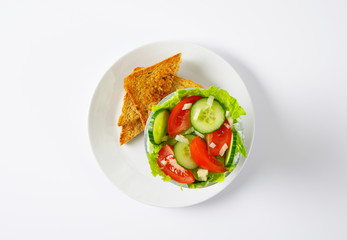 vegetable salad with bread