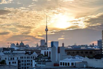 Blick über Kreuzberg und die Stadtmitte Berlins Richtung Alexanderplatz