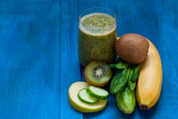 Green smoothies and ingredients