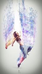 junge Tänzerin mit scheinbar magischer Leichtigkeit
