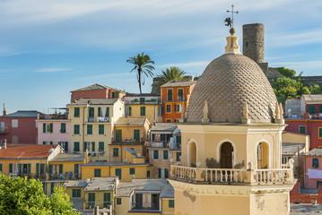Fototapete - Landscape of resort village Vernazza in Cinque Terre, Italy
