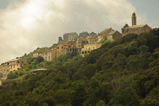 Corse, village perché dans la Castagniccia