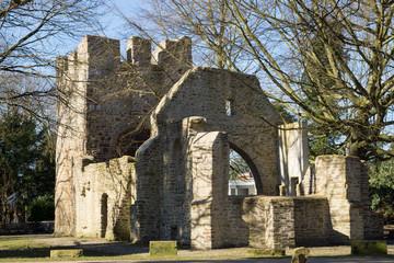 Ruine der Sylvesterkapelle im Schlosspark Weitmar, Bochum, Nordrhein-Westfalen
