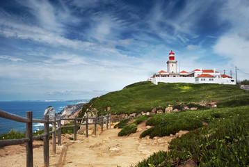 Foto auf AluDibond Himmelblau Lighthouse and Atlantic ocean at cabo da Roca, Portugal