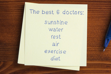 Sticky note with text The best 6 doctors