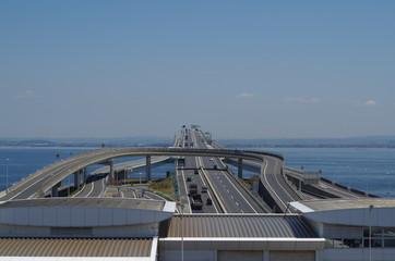海ほたる/東京湾アクアラインの海ほたるパーキングより木更津方面を望む。