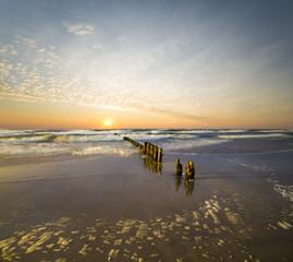 Zachód słońca nad plażą