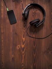 Earphones and mobile smartphone