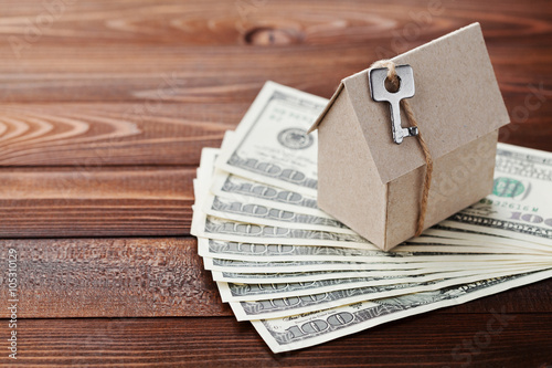 Key And Dollar Money House Building Insurance Housewarming Loan