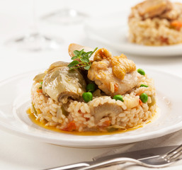 Chicken with artichokes and rice