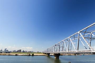 鉄橋と青空と雲