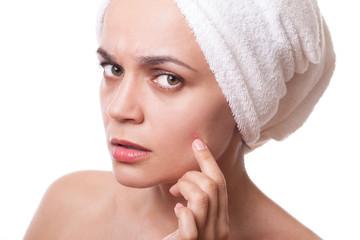girl  squeezing pimple