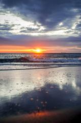 Mare, orizzonte, tramonto.