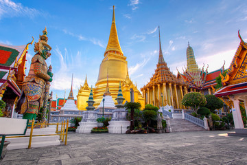 Fotobehang Temple Wat Phra Kaew Ancient temple in bangkok Thailand
