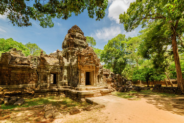 Fototapete - Side view of gopura at ancient Ta Som temple in Angkor, Cambodia
