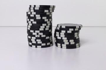Pokerchips gestapelt (schwarz)