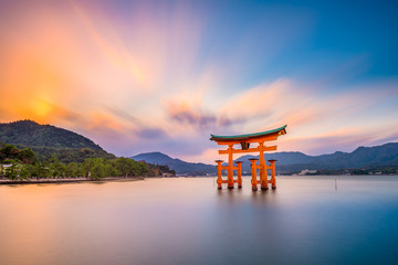 Fototapete - Miyajima Shrine Gate in Hiroshima, Japan.