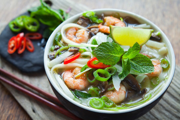 Prawn scampi chinese noodle soup spicy