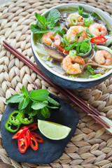 prawn pho thom Vietnamese soup