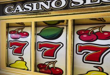 retro casino slot machine