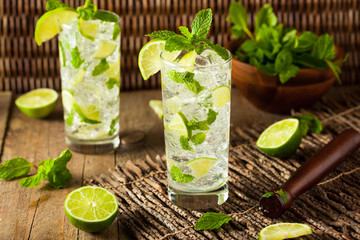 Homemade Alcoholic Mojito with LIme