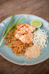 Pad Thai chicken.
