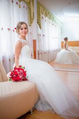 прекрасная невеста в день свадьбы
