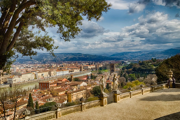 Breathtaking views of the palaces and churches of Florence