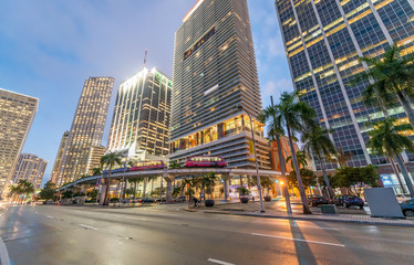 Fototapete - Downtown Miami at dusk. City buildings against the sky