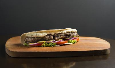 Hambúrguer pão sírio