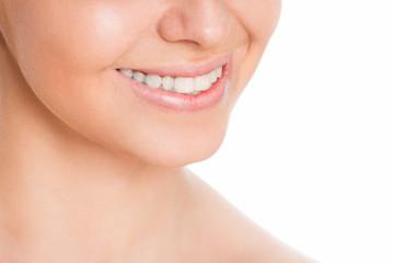 белоснежная и здоровая улыбка