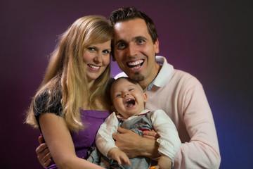 Glückliche Eltern - glückliches Kind