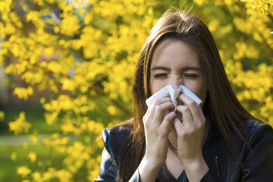 Girl with polen allergy