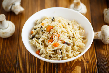 dietary pilaf with mushrooms