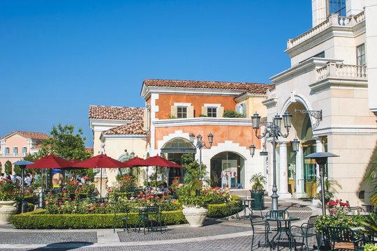 美しい商店街風景