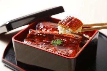 うな重 Broiled eel served over rice a lacquered box