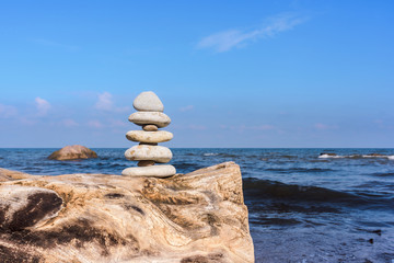 Perfect balance of pebbles