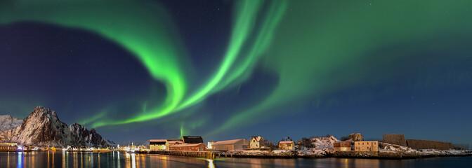 Nordlicht in  Norwegen Svolvaer Panorama