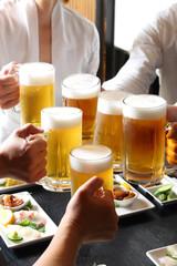 Keuken foto achterwand Bier / Cider 生ビールで乾杯