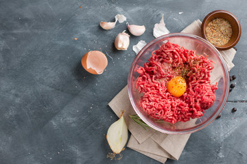 Minced meat in bow